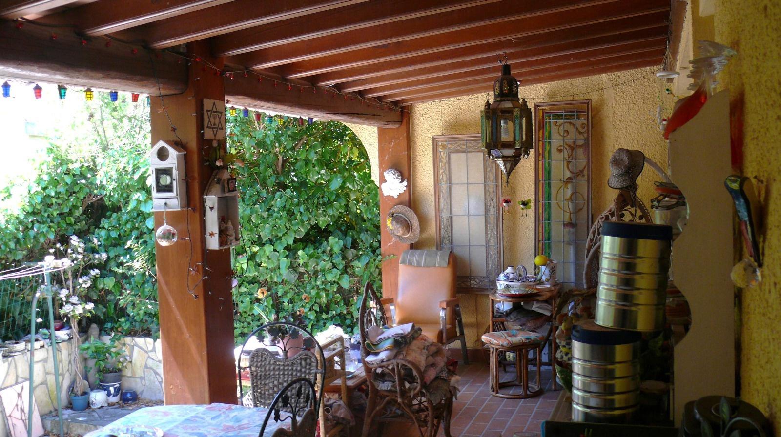 terrasse atteante sejour et cuisine